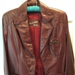 Aigner single breasted leather, vintage blazer